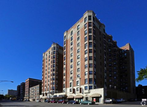 Photo of 5240 N Sheridan Rd, Chicago, IL 60640