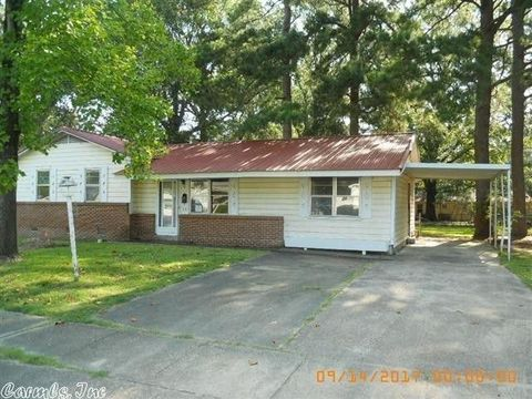 13 Evergreen Dr, White Hall, AR 71602