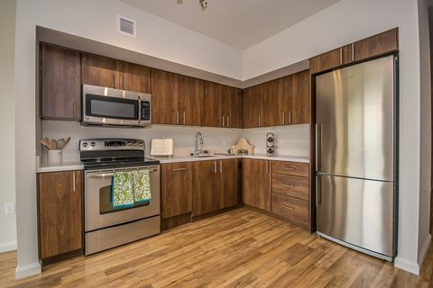 Photo of 2240-2250 Nw Lovejoy St, Portland, OR 97210