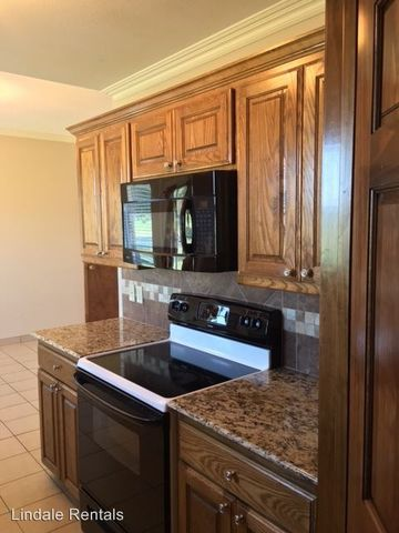 Photo of 12422 County Road 499, Lindale, TX 75771