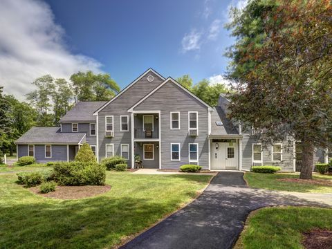 Photo of 9 Francis Ave, Mansfield, MA 02048