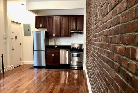 Photo Of 55 W 105th St New York Ny 10025 Apartment For Rent