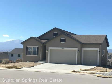 10944 Forest Creek Dr, Colorado Springs, CO 80908