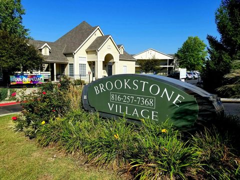 Photo of 1900 S Brookstone Village Dr, Independence, MO 64057