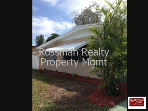 324 Canyon Dr N, Lehigh Acres, FL 33936