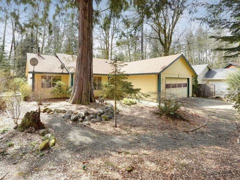 Photo of 21510 E Hideaway Ln, Rhododendron, OR 97049