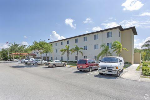 Photo of 510 26th St W, Palmetto, FL 34221