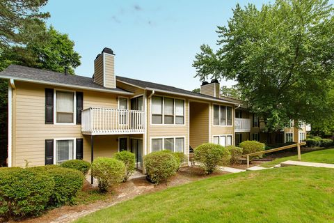 500 Bridle Ridge Ln, Raleigh, NC 27609