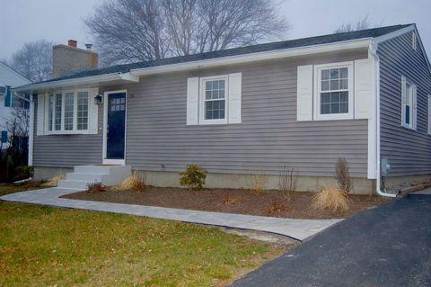 Amazing 25 Old Pine Rd Narragansett Ri 02882 Home Interior And Landscaping Ferensignezvosmurscom