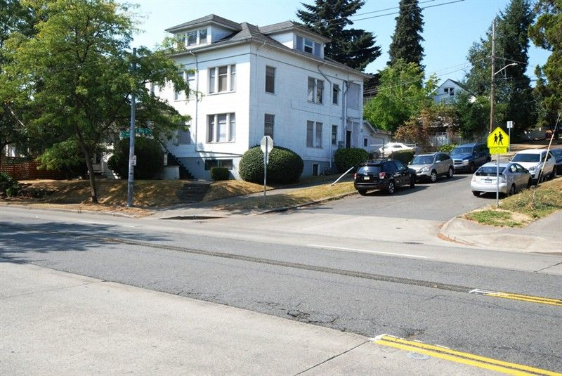 2215 E Roy St, Seattle, WA 98112