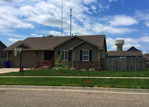 Photo of 804 Wheatland Dr, Junction City, KS 66441