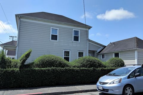 Photo of 789 J St, Arcata, CA 95521