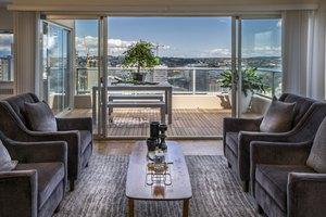 photo: Panorama Apartments; 1100 University St, Seattle, WA 98101