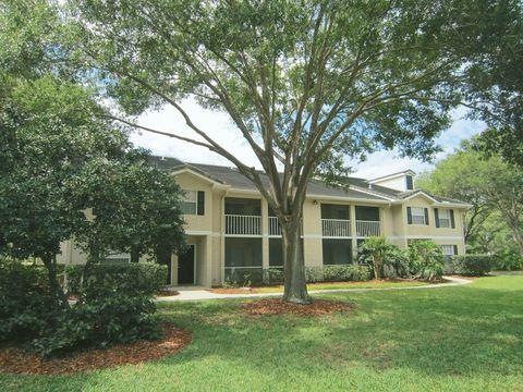 8445 Gardens Cir, Sarasota, FL 34243
