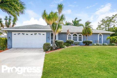 Photo of 918 Sw 19th Ln, Cape Coral, FL 33991