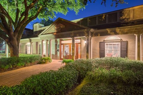 1822 Barker Cypress Rd, Houston, TX 77084