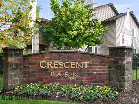 Photo of 2940 Crescent Ave, Eugene, OR 97408