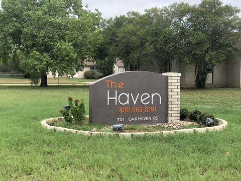 Photo of 701 Oakhaven Rd, Pleasanton, TX 78064