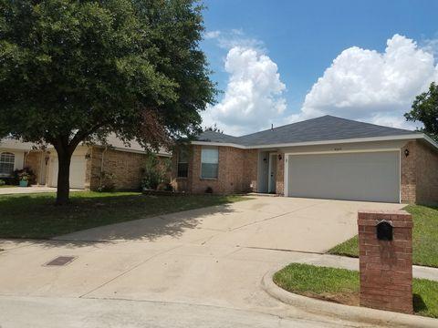 Photo of 4225 Ocho Rios Dr, Fort Worth, TX 76137
