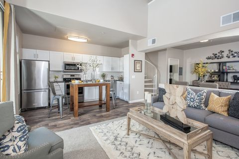 Photo of 301 Gibson Dr, Roseville, CA 95678