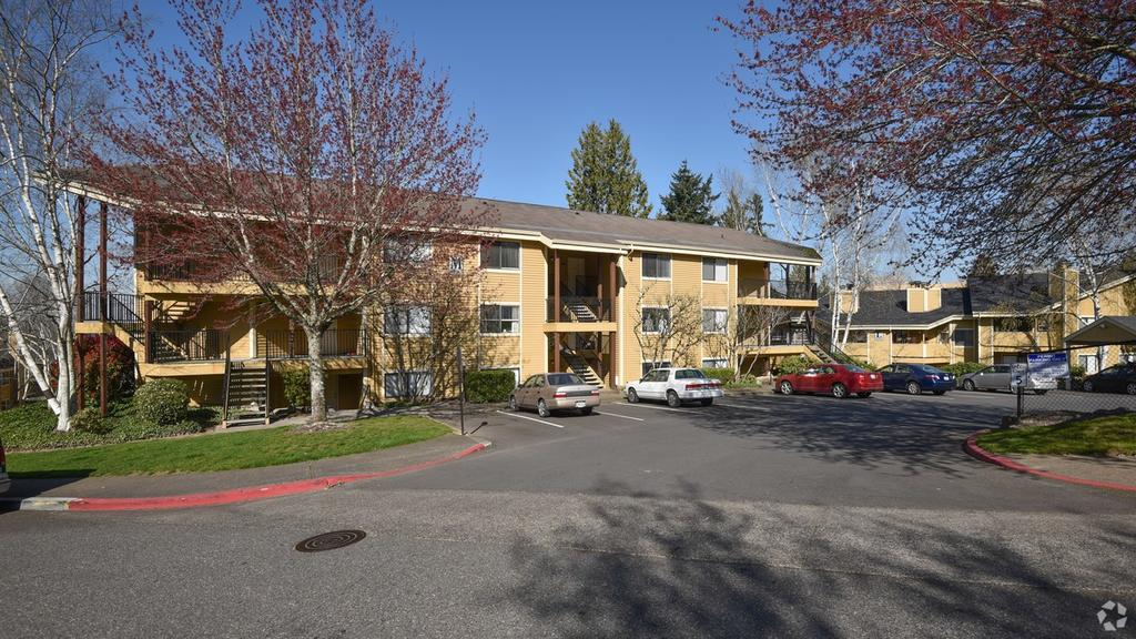 Clackamas Village Apartments