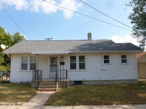 812 N Cleveland St, Hutchinson, KS 67501
