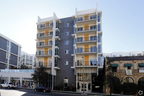 5550 Hollywood Blvd, Los Angeles, CA 90028