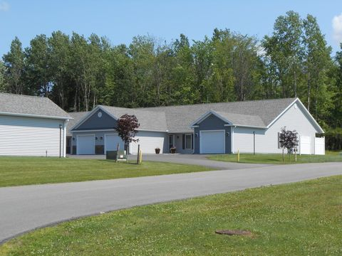 Photo of 100 Pheasants Run, Clinton, NY 13323