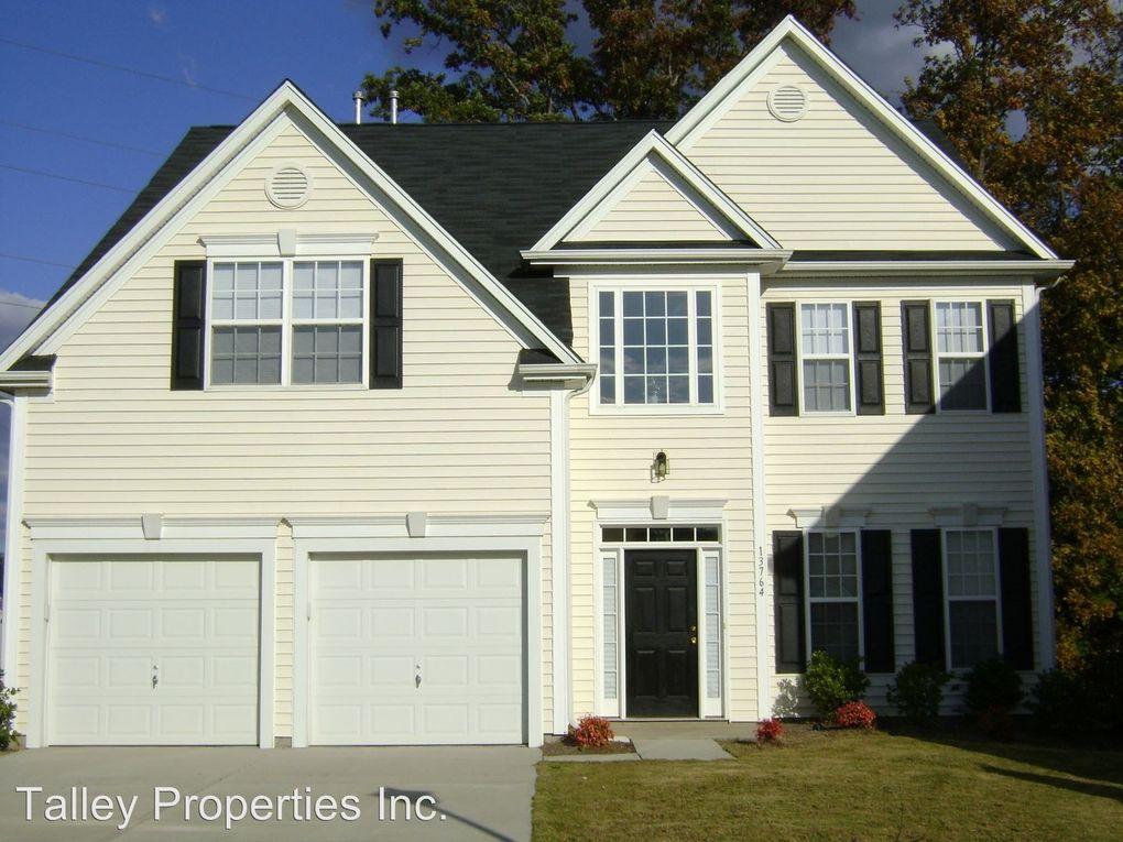 13764 Rutherglen Ct, Charlotte, NC 28213