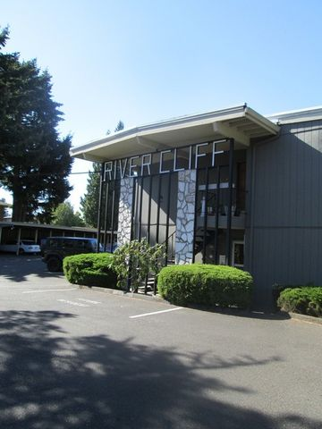 Photo of 12505 Se River Rd, Milwaukie, OR 97222