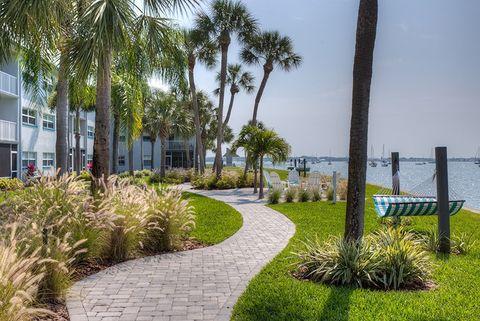 Photo of 3205 58th St S, Gulfport, FL 33707
