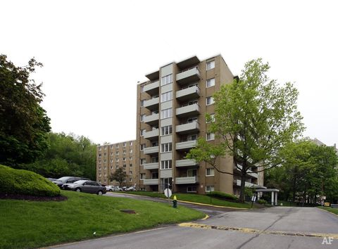 14030 Terrace Rd, Cleveland, OH 44112
