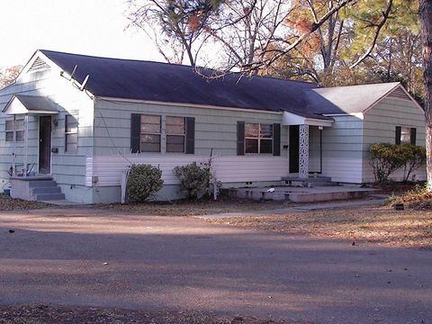 Photo of 2317 Belvedere Dr, Jackson, MS 39204
