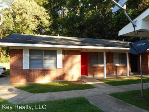 426 Forest St, Pineville, LA 71360