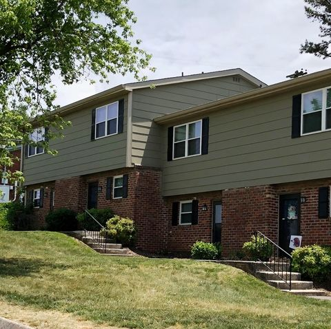 Photo of 7700 Gleason Dr, Knoxville, TN 37919