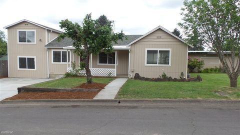 1310 E Van Buren Ave, Cottage Grove, OR 97424
