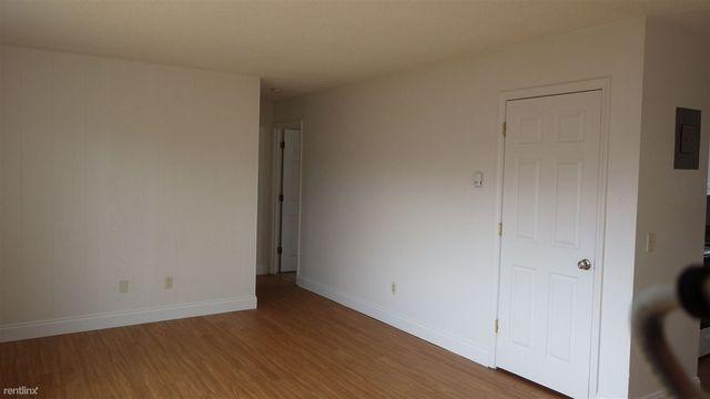 4009 San Roberto Ave Unit 2