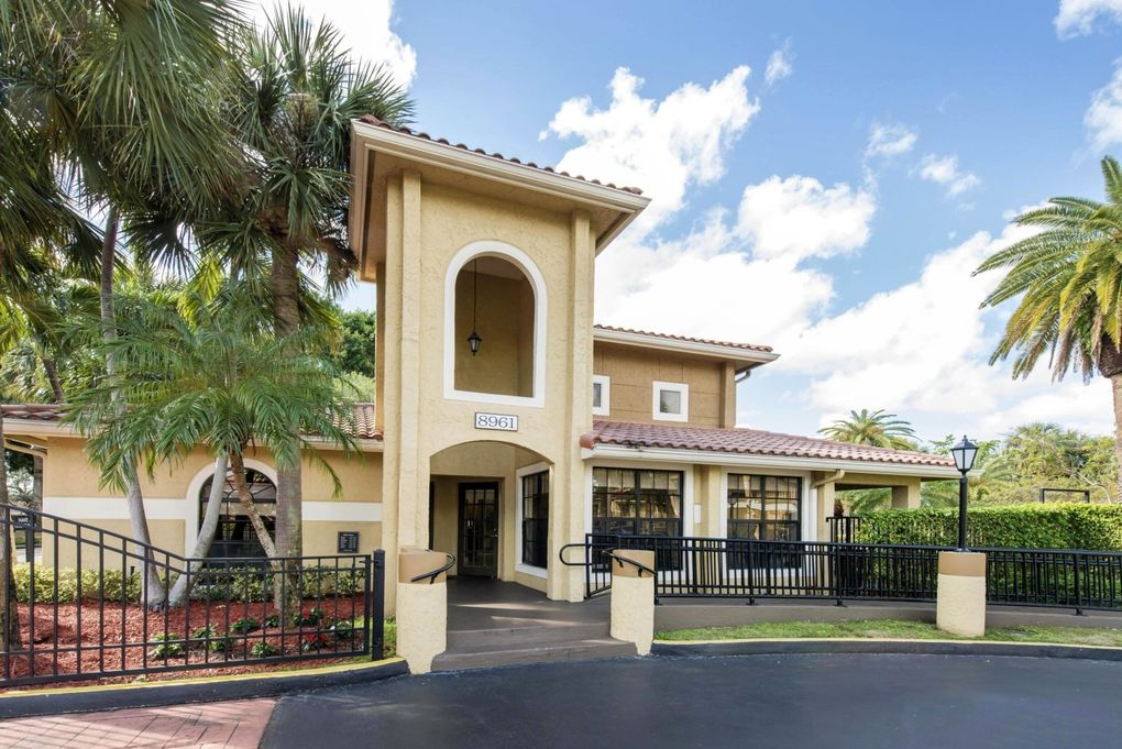 8961 Sw 142nd Ave, The Crossings, FL 33186