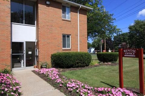 Photo of 1515 N Winton Rd, Rochester, NY 14609