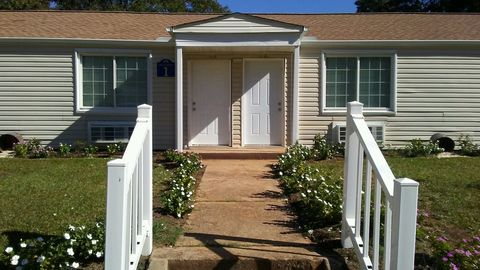 Photo of 207 New Market St, Greenwood, SC 29646