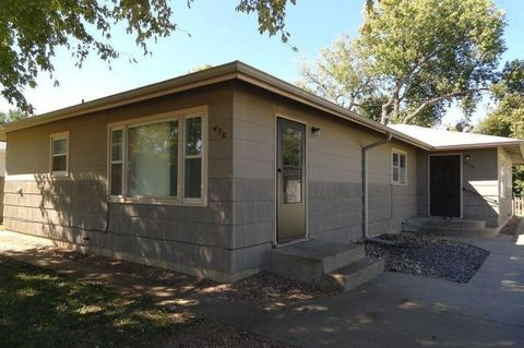 Photo of 432 Hazel Ct, Salina, KS 67401