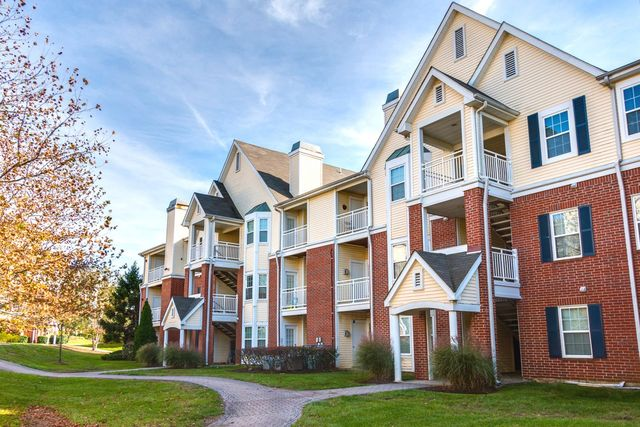 The Point At Mcnair Farms Apartment Homes