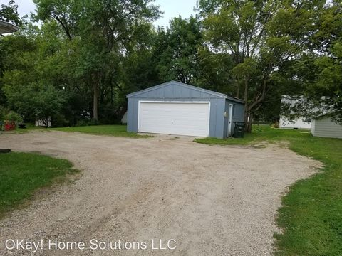 405 12th St Nw, Willmar, MN 56201