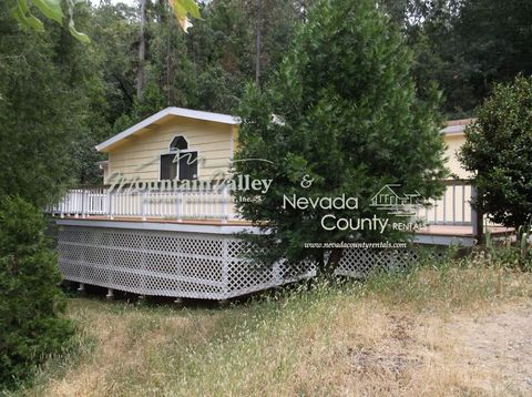 12395 Francis Dr, Grass Valley, CA 95949