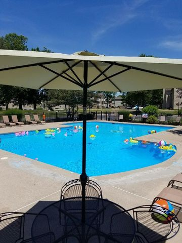 Photo of 100 Southern Trace D Dr, Cincinnati, OH 45255