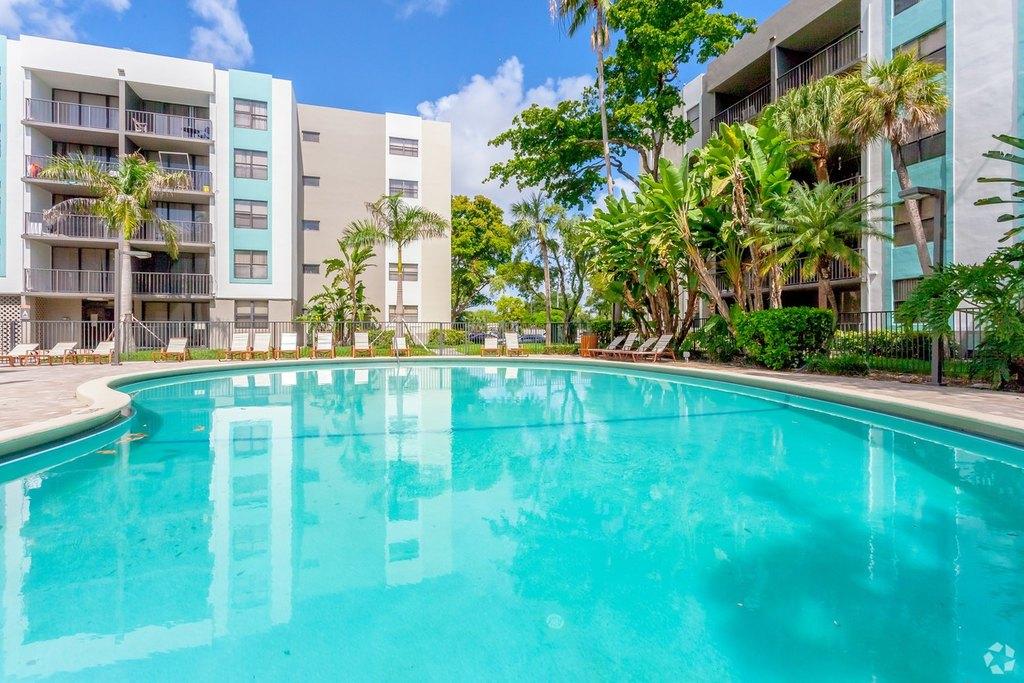 1490 Ne 123rd St, North Miami, FL 33161