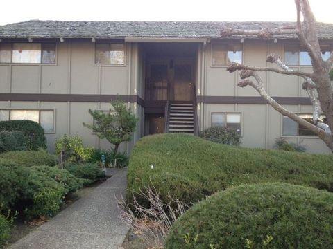 9500 Center St Apt 38, Carmel, CA 93923