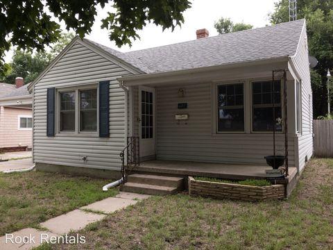 607 W 14th Ave, Hutchinson, KS 67501