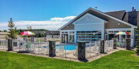 1600 Bear Creek Ln, Petoskey, MI 49770