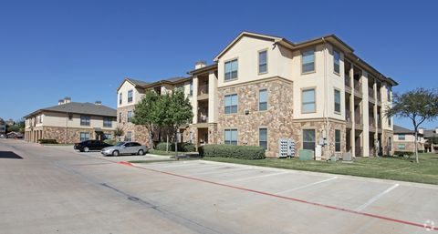 Photo of 2751 River Park Dr, Fort Worth, TX 76116